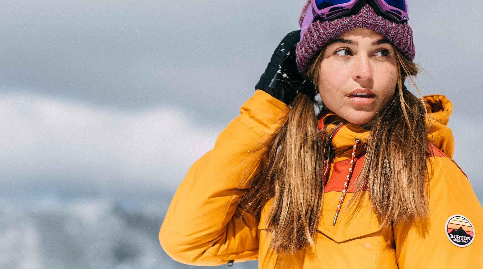 SnowboardJackets-narrative-womens-bld-2x